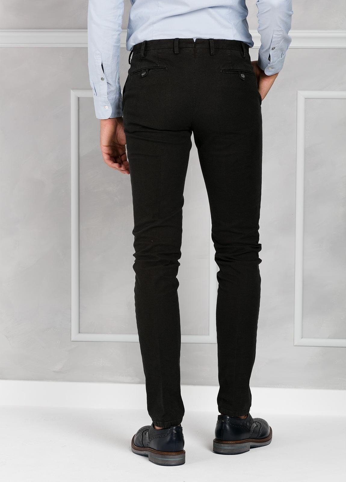 Pantalón sport pata de gallo slim fit color kaki. 98% Algodón 2% Elastano. - Ítem3