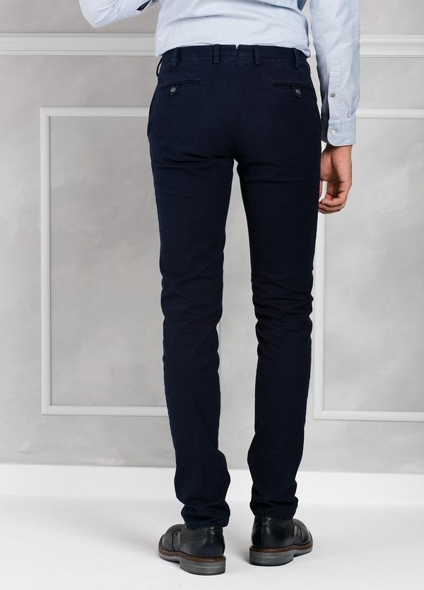 Pantalón sport pata de gallo slim fit color azul marino. 98% Algodón 2% Elastano. - Ítem3