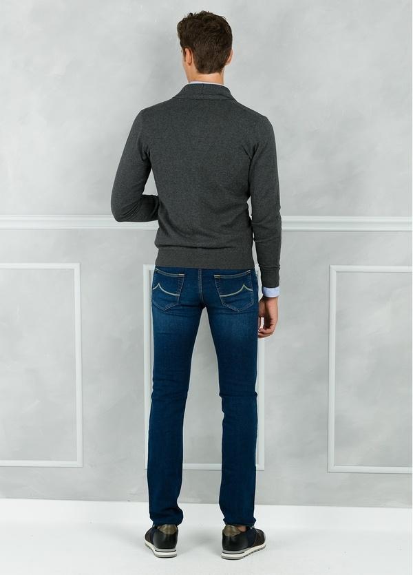 Cárdigan con botones y cuello smoking color gris. 90% Algodón 10% Cashmere. - Ítem2