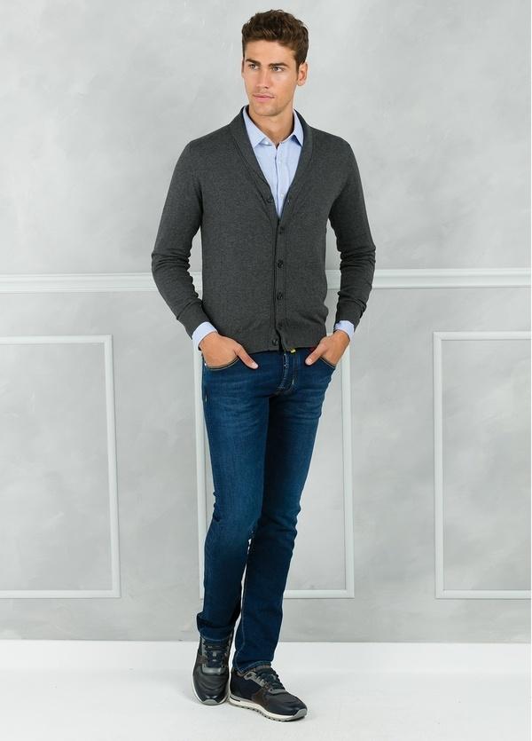Cárdigan con botones y cuello smoking color gris. 90% Algodón 10% Cashmere. - Ítem1