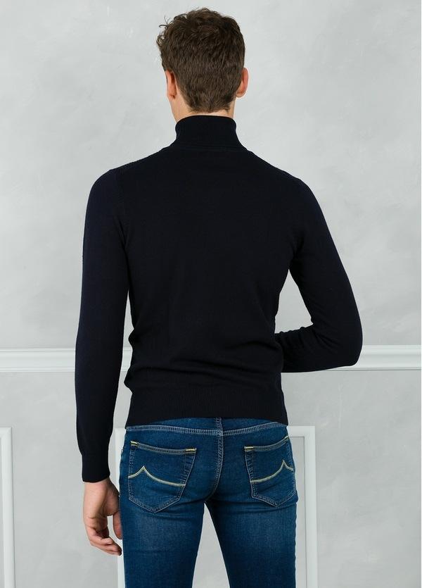 Jersey cuello cisne y dibujo frontal, color azul marino. 90% Algodón 10% Cashmere. - Ítem2