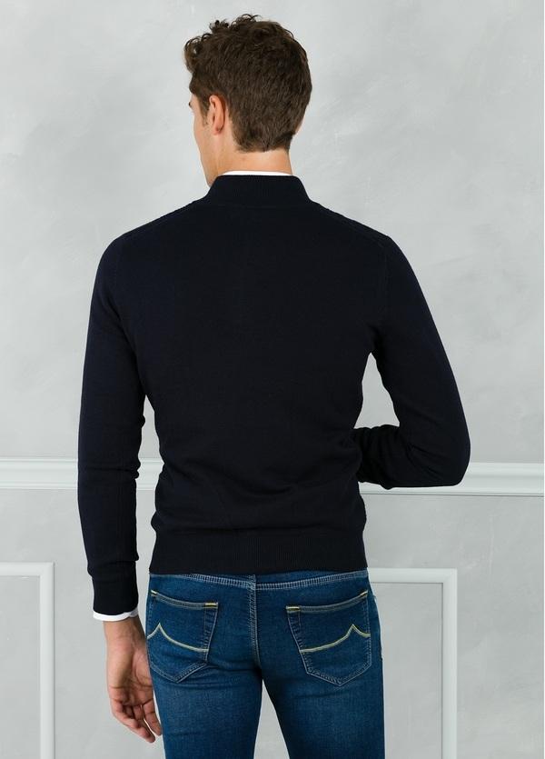 Jersey cuello zip con cremallera y dibujo frontal, color azul marino. 90% Algodón 10% Cashmere. - Ítem1