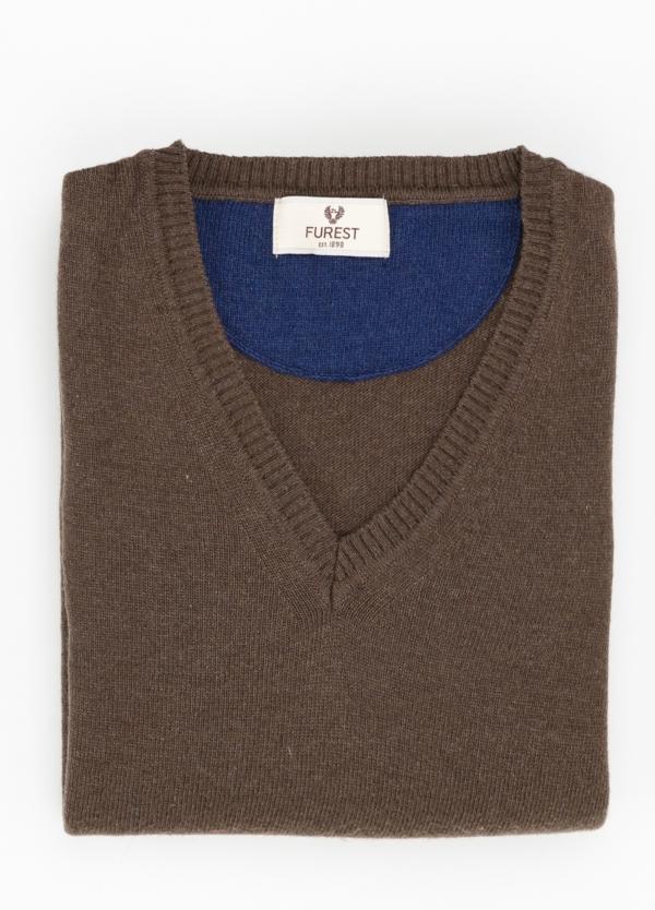 Jersey liso cuello pico color marrón, 40% lana merino, 20% viscosa, 10% cachemire - Ítem1