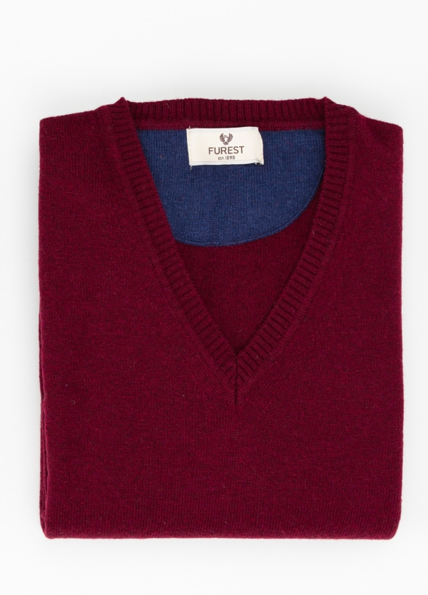 Jersey liso cuello pico color granate, 40% lana merino, 20% viscosa, 10% cachemire - Ítem1