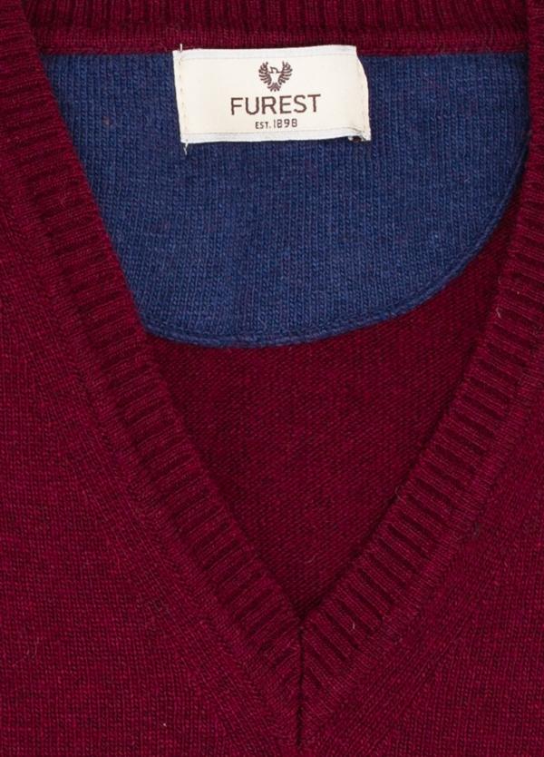 Jersey liso cuello pico color granate, 40% lana merino, 20% viscosa, 10% cachemire