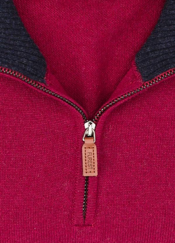 Jersey liso cuello cremallera, color granate, 40% lana merino, 30% viscosa, 10% cachemire