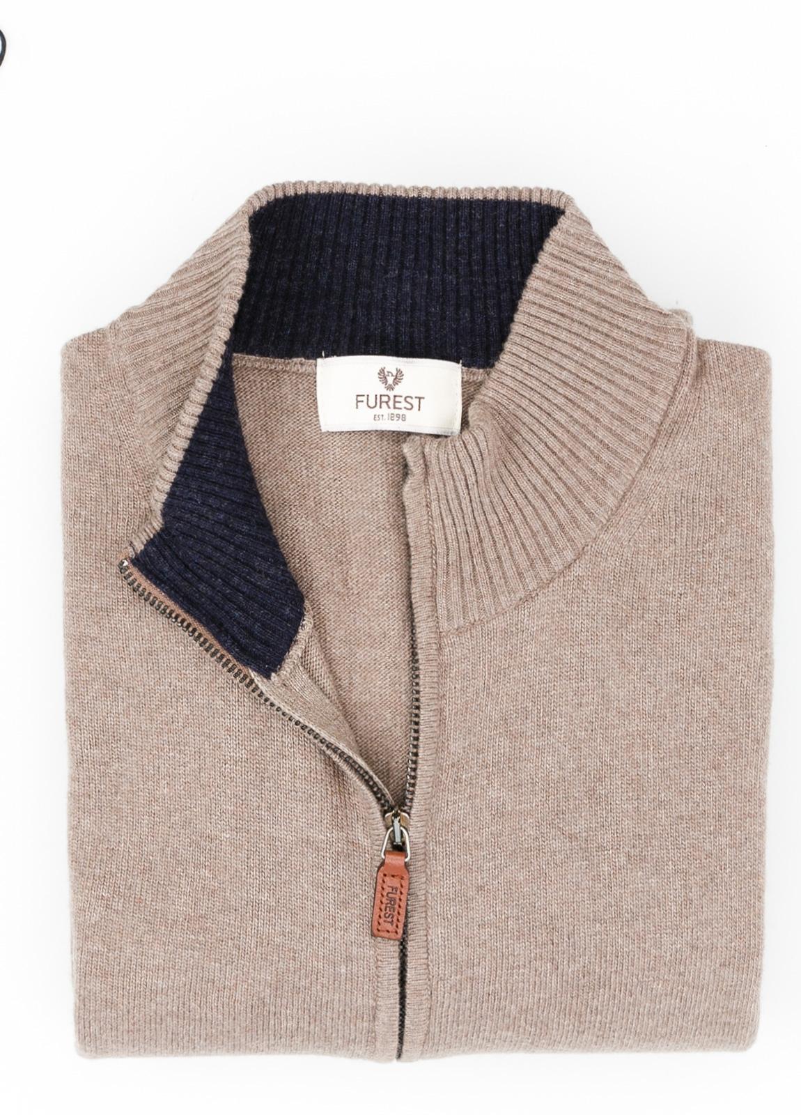 Jersey liso cremallera doble carro, color marrón, 40% lana merino, 30% viscosa, 10% cachemire - Ítem1