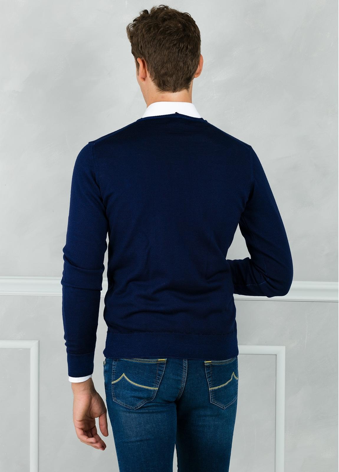 Jersey liso cuello pico, color azul tinta. 100% Lana merino. - Ítem1