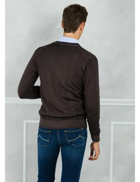 Cardigan liso color marrón. 100% Lana merino. - Ítem1