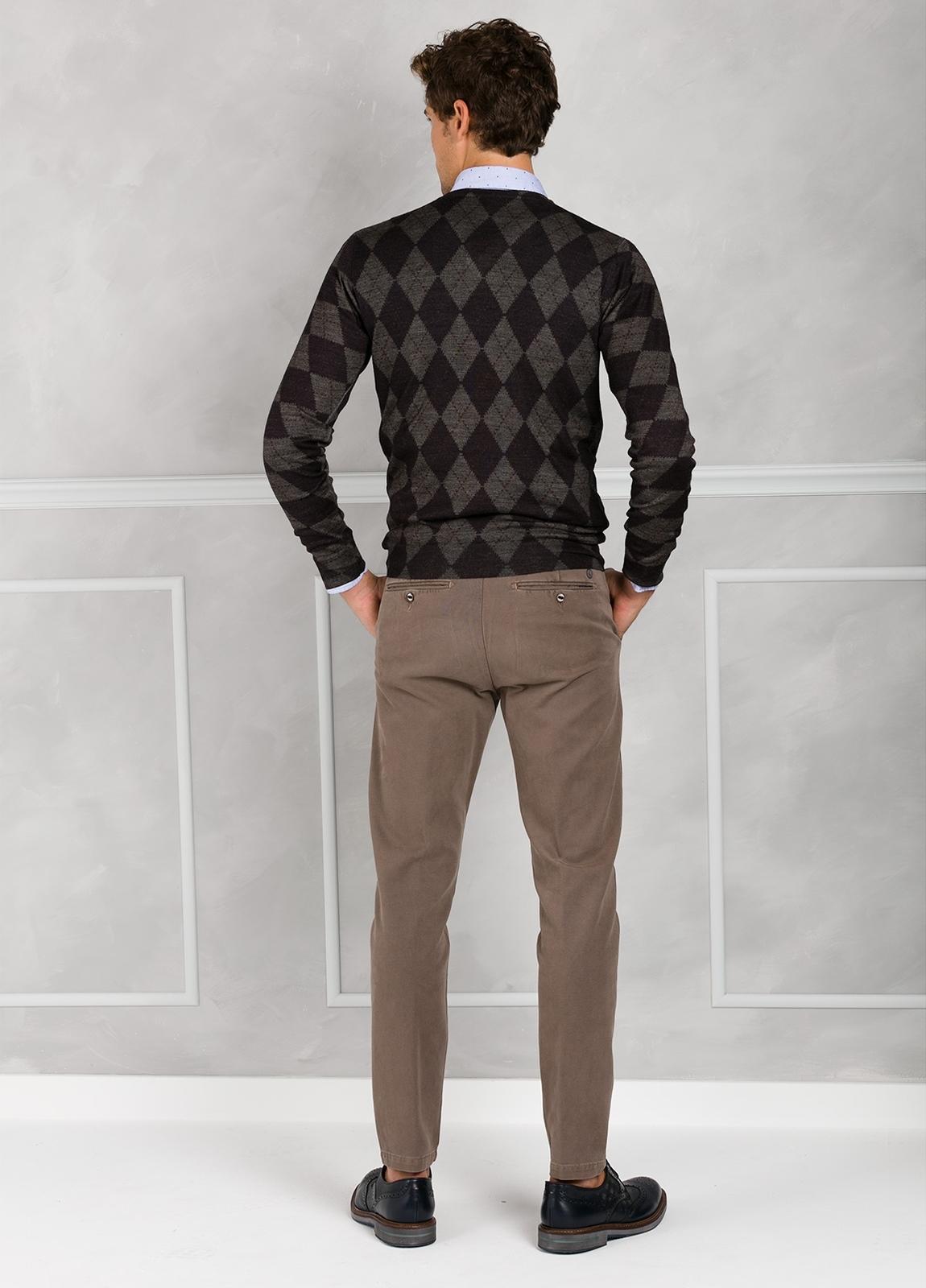 Jersey cuello pico con estampado de rombos color verde. 45% Lana merino 55% Coolmax. - Ítem2