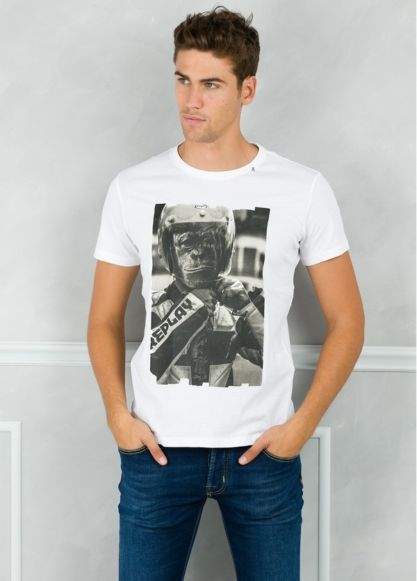 Camiseta manga corta color blanco con estampado gráfico. 100% Algodón.