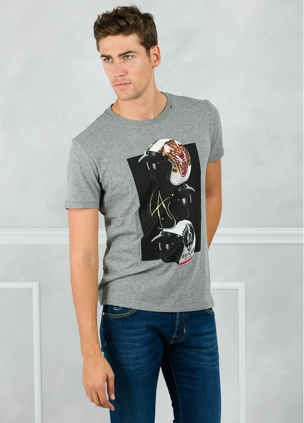 Camiseta manga corta color gris con estampado gráfico. 100% Algodón.
