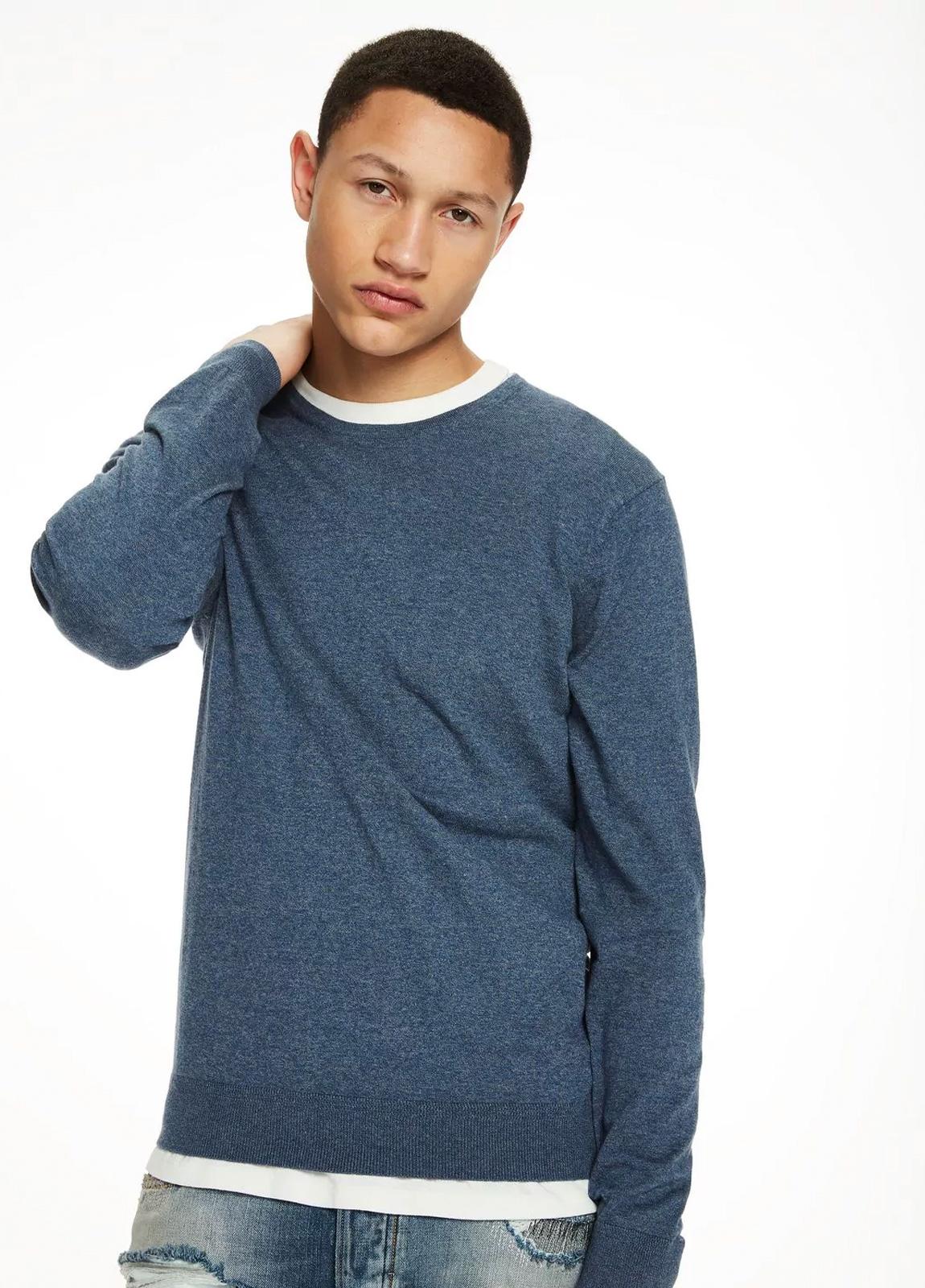 Jersey cuello redondo color azul. 95% Algodón 5% Cashmere. - Ítem1