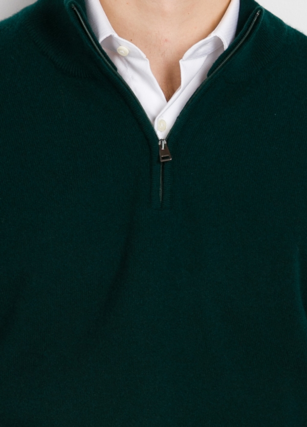 Jersey liso cuello cremallera color verde, cashmere 100%. - Ítem1