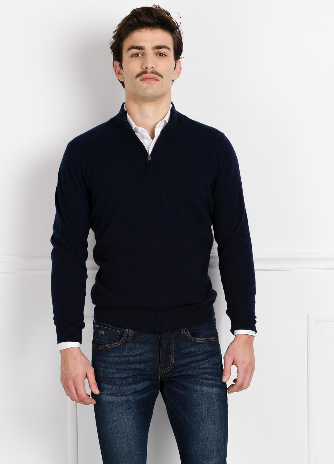 Jersey liso cuello cremallera color azul marino, cashmere 100%.