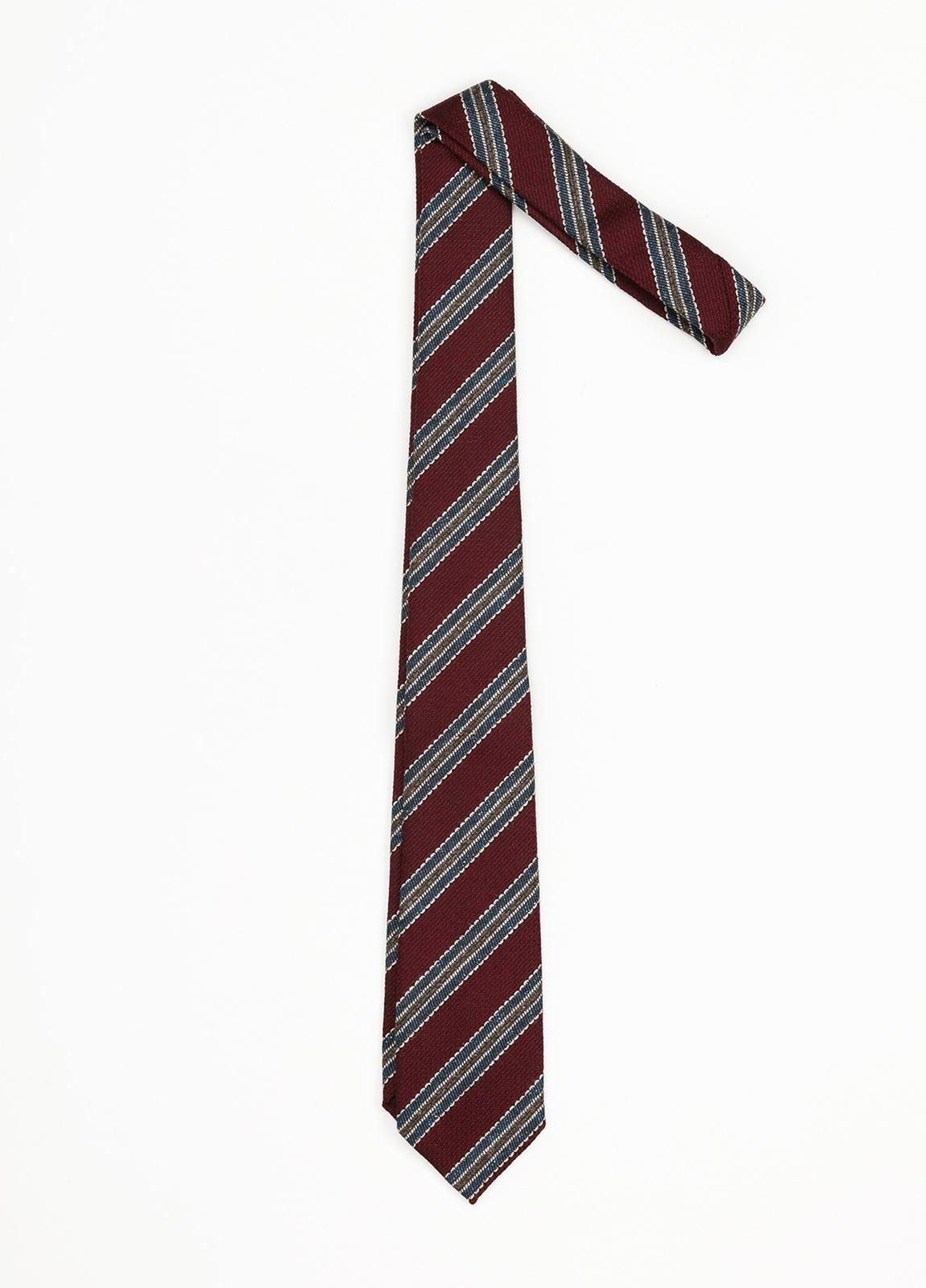 Corbata Formal Wear rayas diagonales, color granate. Pala 7,5 cm. 70% Lana 30% Seda.