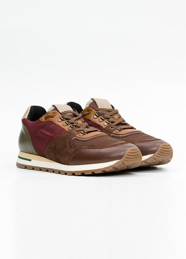 Zapato Sport Wear, color marrón, granate y verde. Combinación de piel, serraje y tejido técnico. - Ítem3