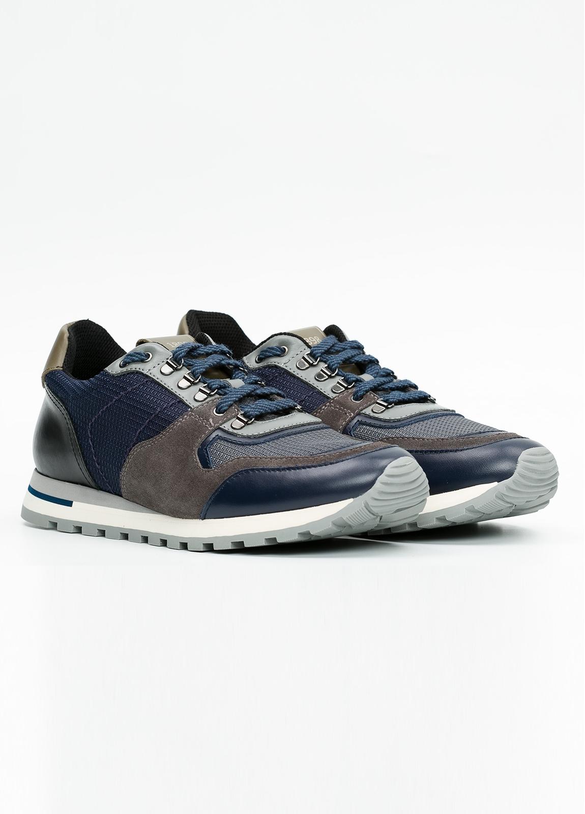 Zapato Sport Wear, color marrón, azul y negro. Combinación de piel, serraje y tejido técnico. - Ítem3