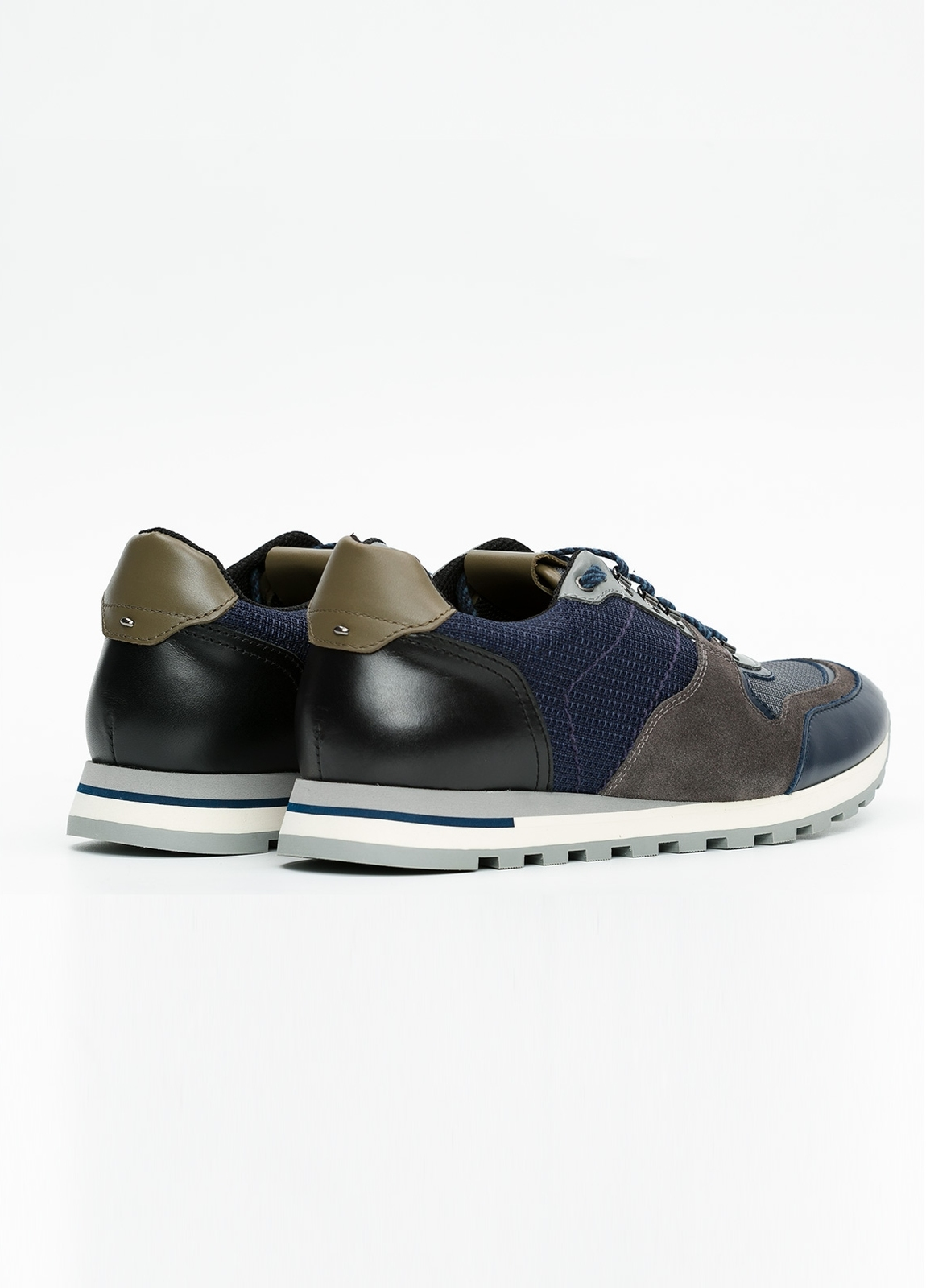 Zapato Sport Wear, color marrón, azul y negro. Combinación de piel, serraje y tejido técnico. - Ítem4