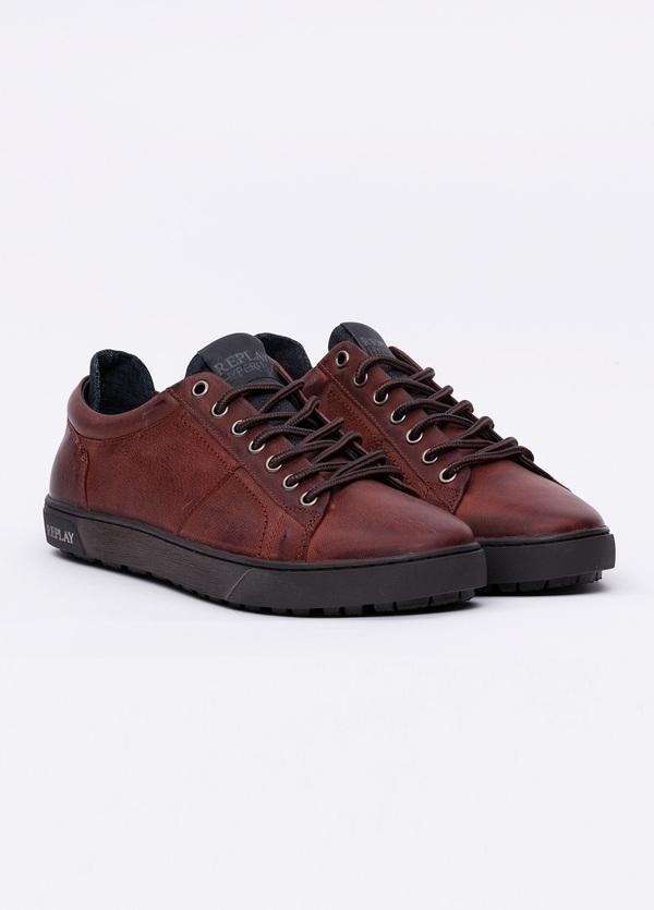 Calzado sport modelo LAREM color marrón. 100% Piel. - Ítem3