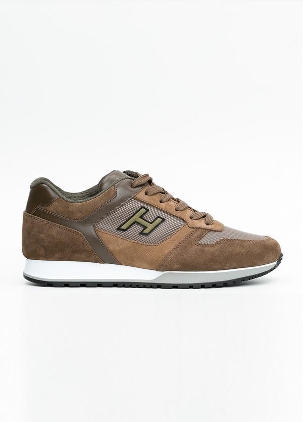 Calzado sport ALLACIATO color marrón. Combinación de serraje, tejido técnico y apliques en piel.