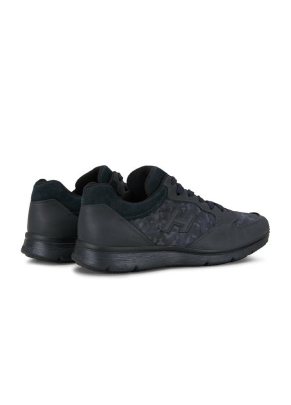 Calzado sport TRADITIONAL SNEAKER color negro. Piel con apliques en tejido técnico camuflaje y detalles en ante. - Ítem1