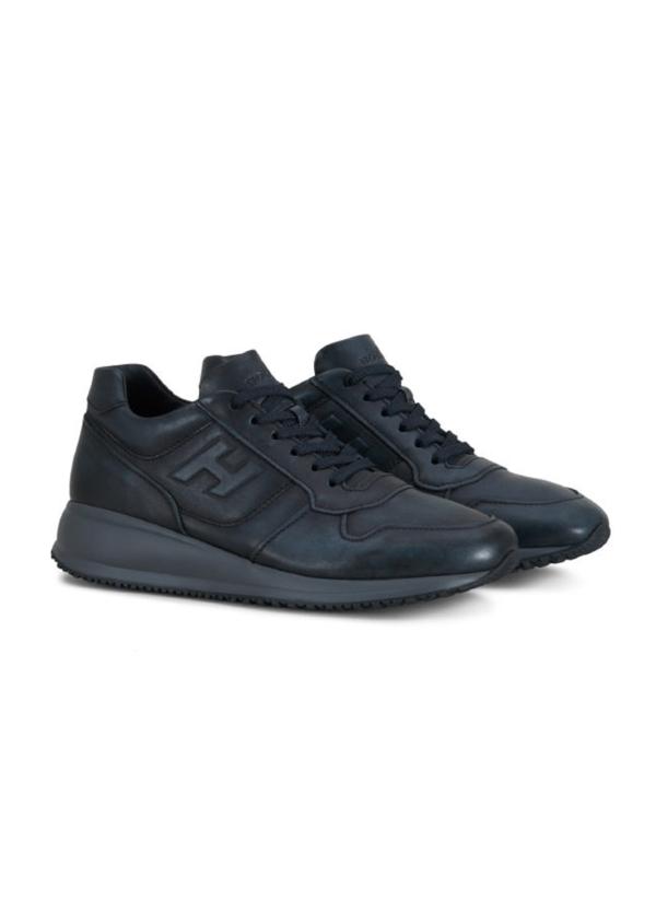 Calzado sport INTERACTIVE-N20 color azul. Piel con costuras a la vista. - Ítem1