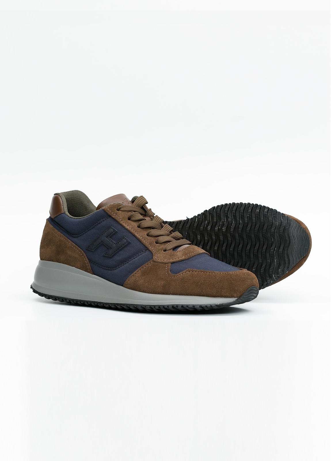 Calzado sport INTERACTIVE color marrón y azul. Combinación de serraje, tejido técnico y apliques en piel. - Ítem1