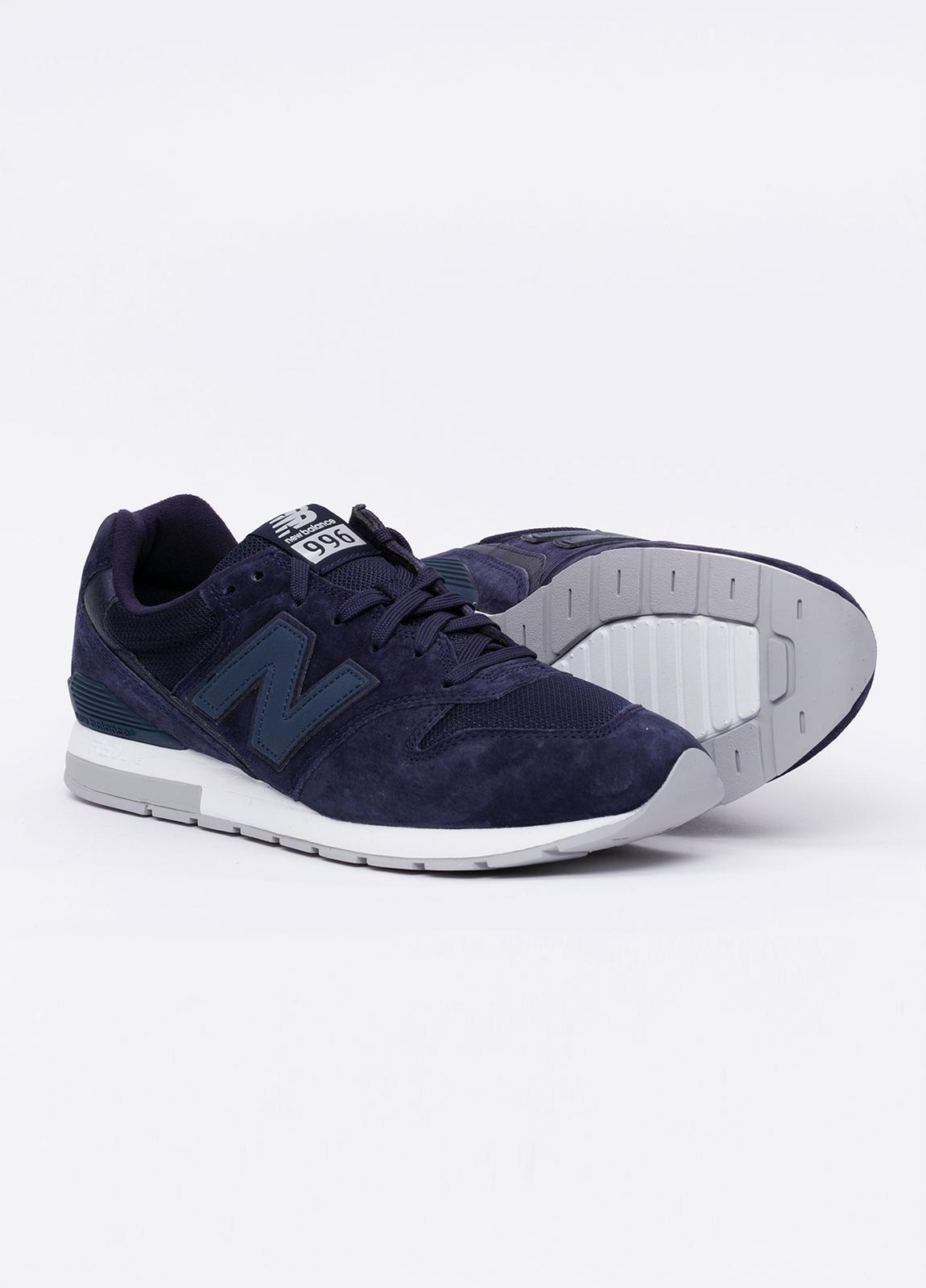 Sneaker MRL996 color azul marino. Combinación de serraje, tejido técnico y detalles en piel. - Ítem1