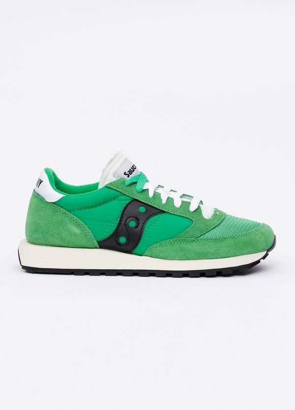 Calzado sport JAZZ OR VINT color verde con detalles negros, combinación de serraje y tejido técnico.