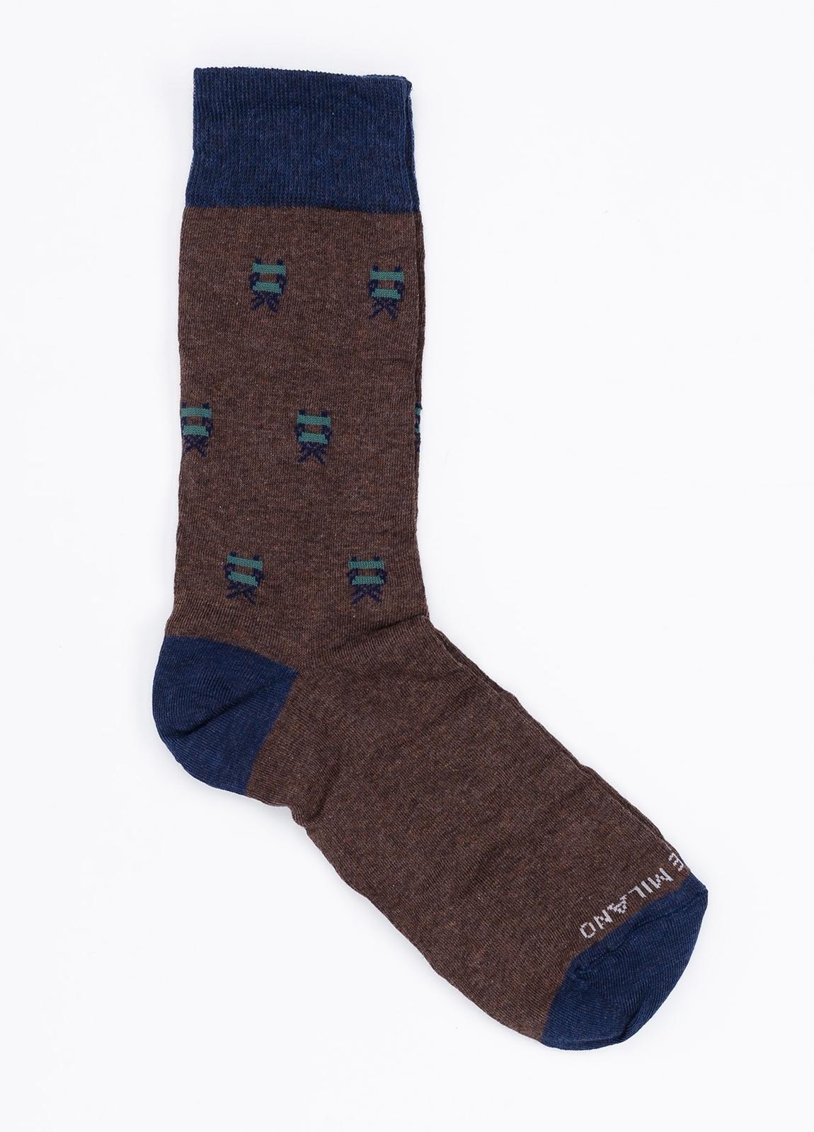 Calcetín corto de algodón con estampado fantasía color marrón.