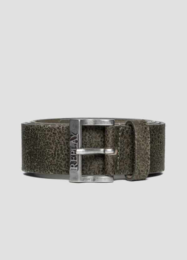 Cinturón de piel lavada color verde. 100% Piel.