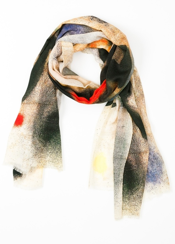 Foulard estampado abstracto color crudo, 70 x 200 cm. 100% Lana.