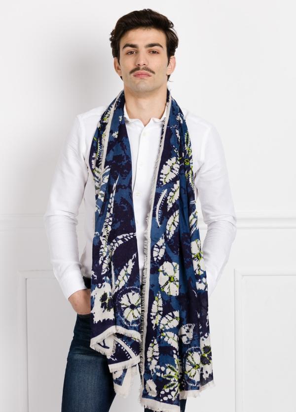 Foulard estampado floral color azul modelo QUERCIA 100 x 200 cm. 80% Modal 20% Lana.
