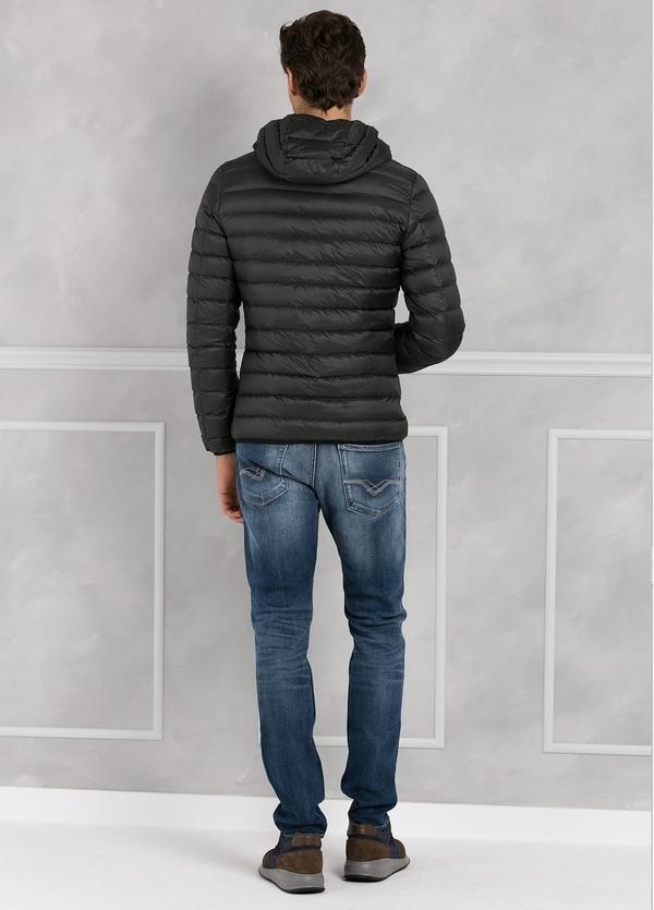 Chaqueta con capucha modelo ZEFIRO color petróleo, tejido técnico. - Ítem3