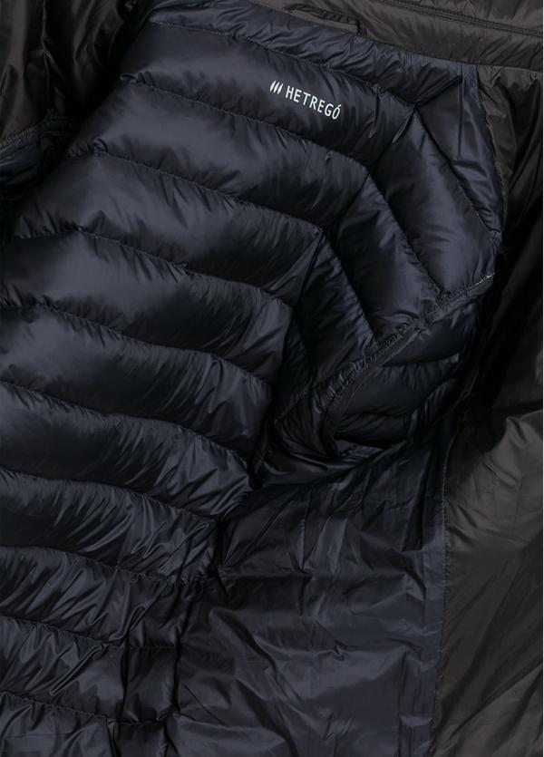 Chaqueta modelo BEEMIN color negro, tejido técnico. - Ítem1