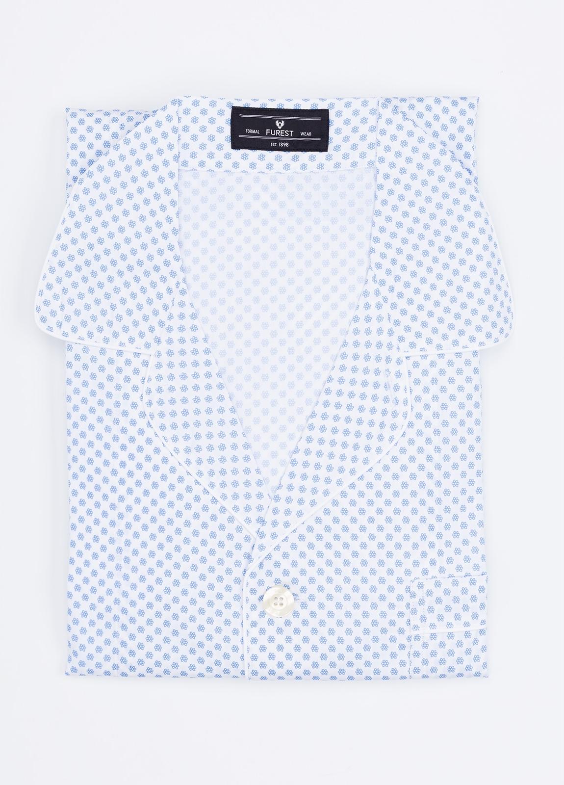 Pijama LARGO dos piezas, pantalón largo con cinta no elástica y funda incluida color celeste con estampado floral. 100% Algodón.