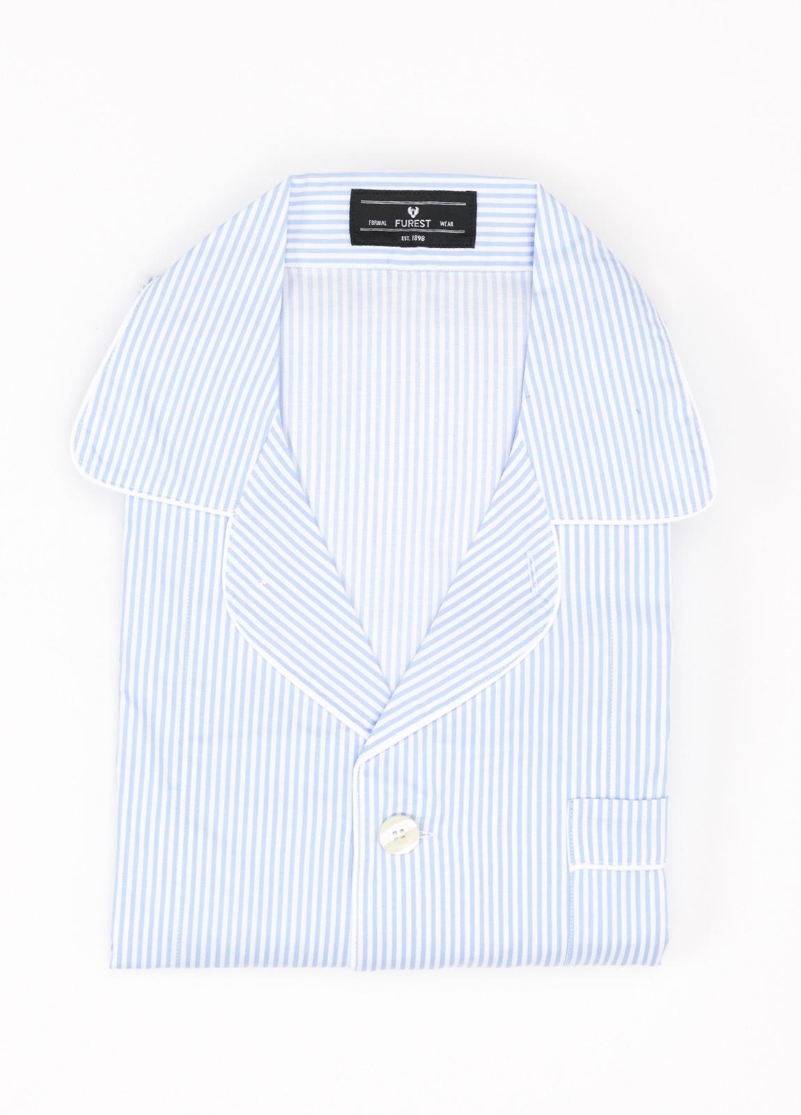 Pijama LARGO dos piezas, pantalón largo con cinta no elástica y funda incluida color celeste con estampado de rayas. 100% Algodón.