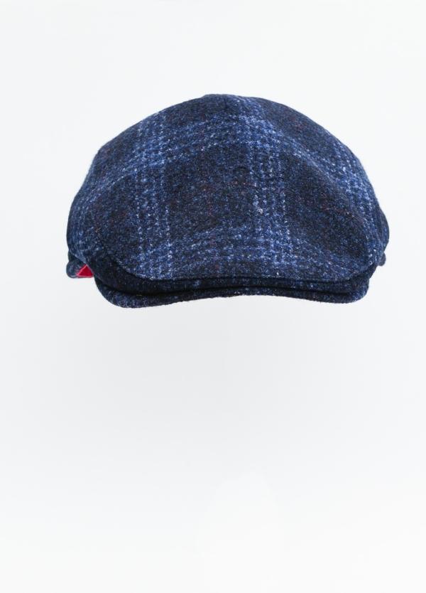 Gorra plana color azul tejido de lana con diseño de cuadros escoceses. - Ítem1