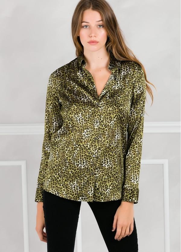 Camisa woman modelo ALICEYS estampado animal print color verde. - Ítem3