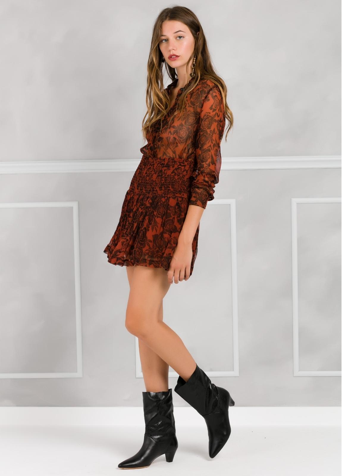 Falda plisada con fruncido en cintura, color teja y estampado floral. - Ítem3