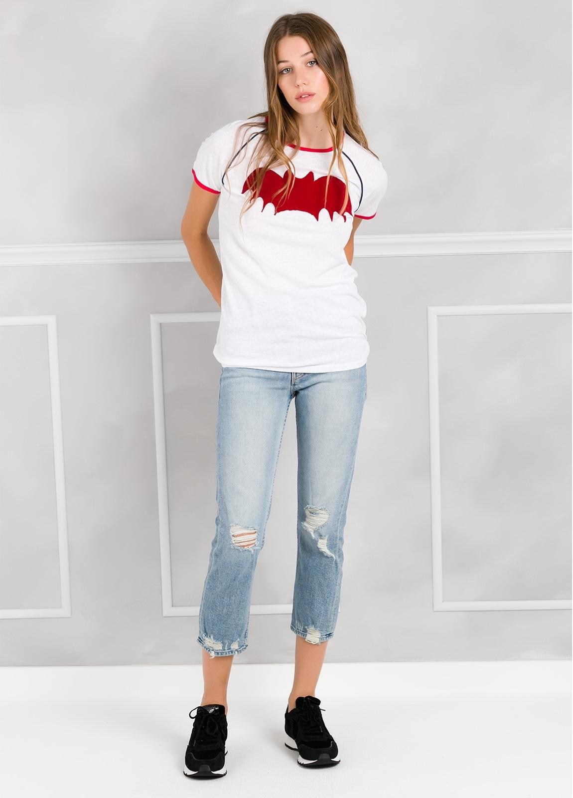 Camiseta manga corta color blanco con motivo gráfico. - Ítem2