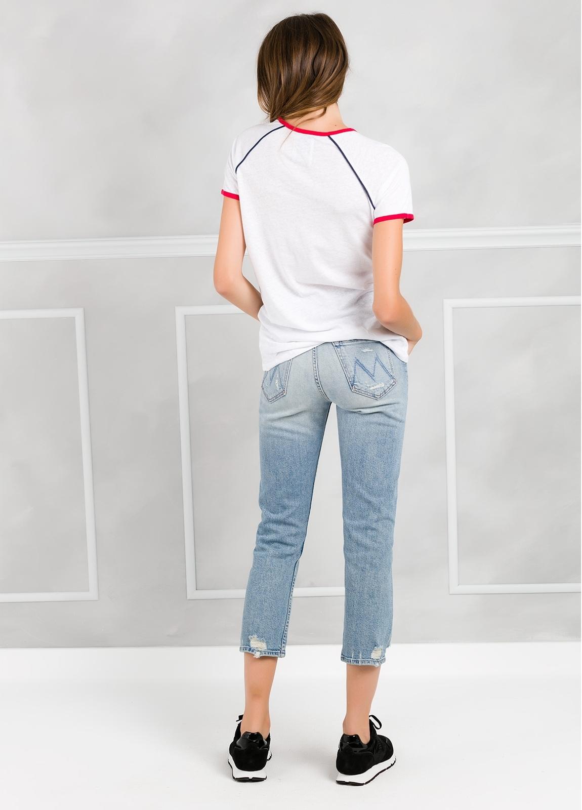 Camiseta manga corta color blanco con motivo gráfico. - Ítem1