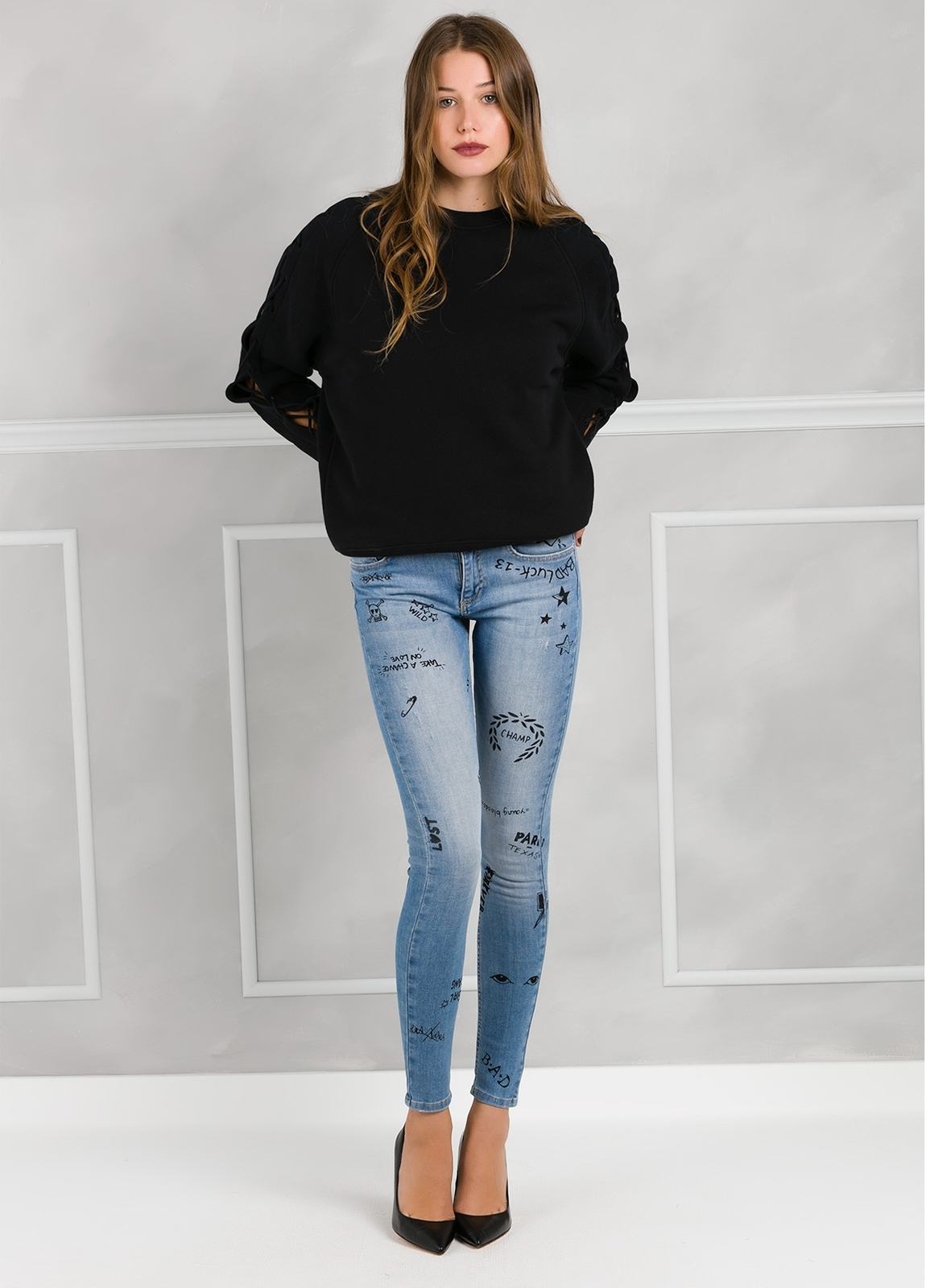 Jersey woman color negro con mangas anudadas. 100% algodón. - Ítem3
