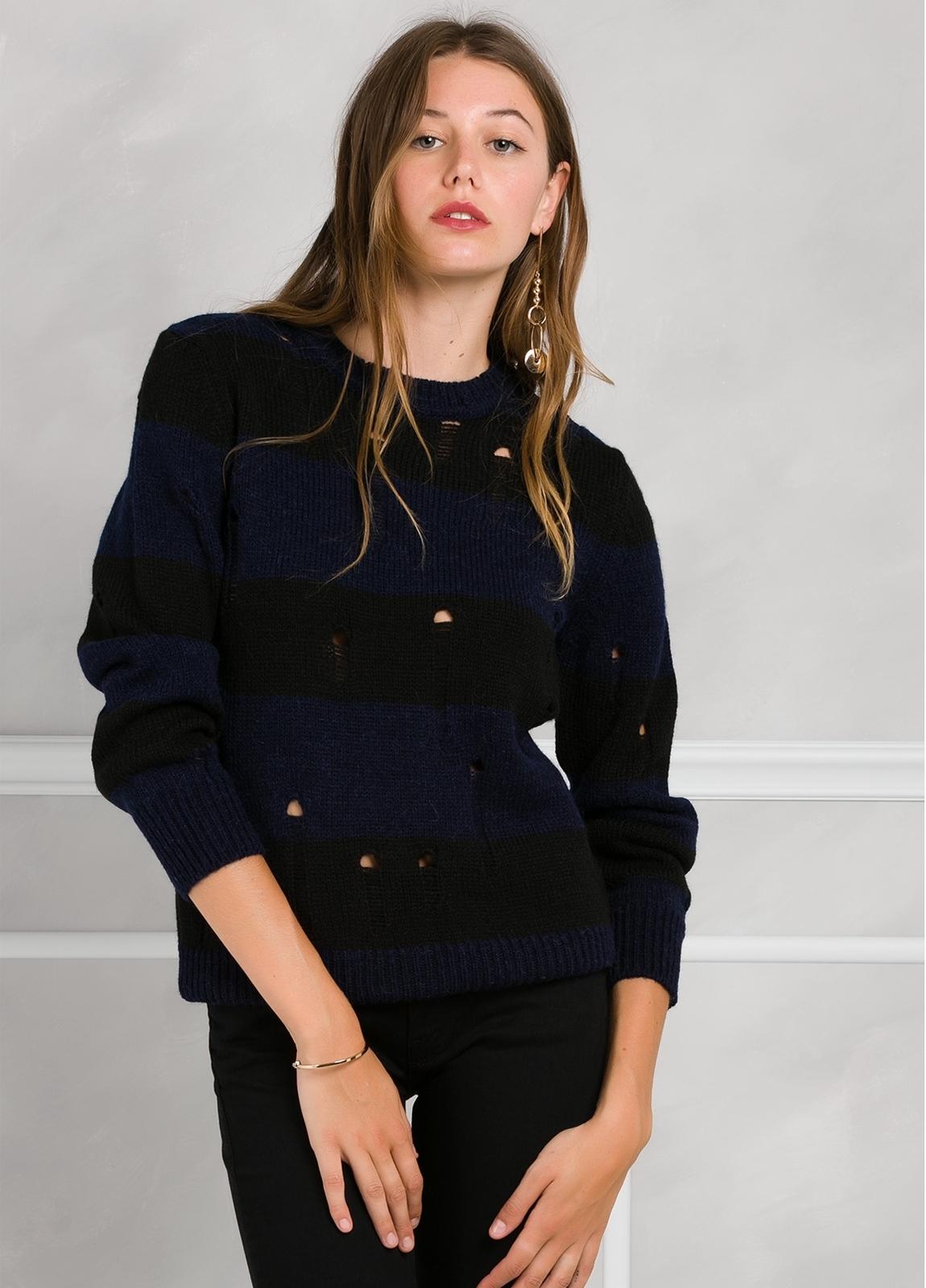 Jersey de punto con diseño de rayas y detalles calados, color azul y negro.