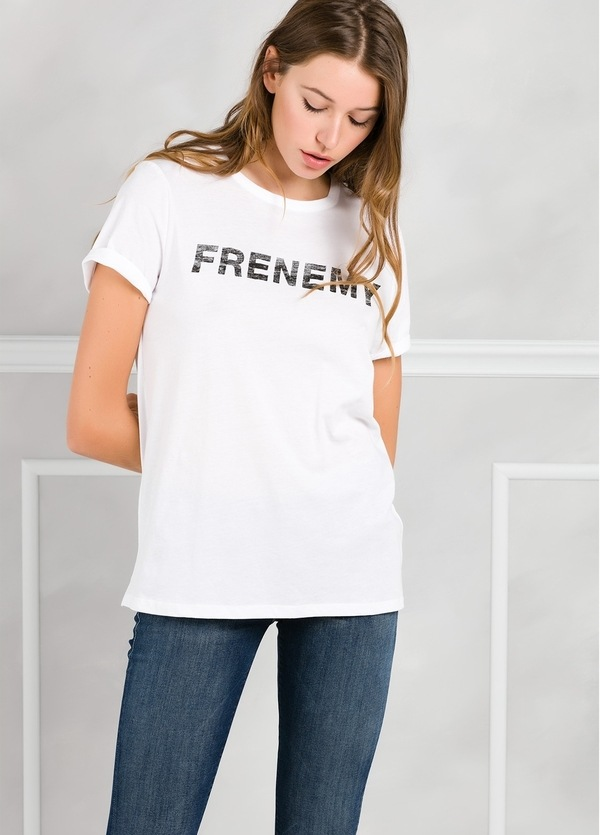 Camiseta manga corta color blanco con motivo gráfico. 100% Algodón.