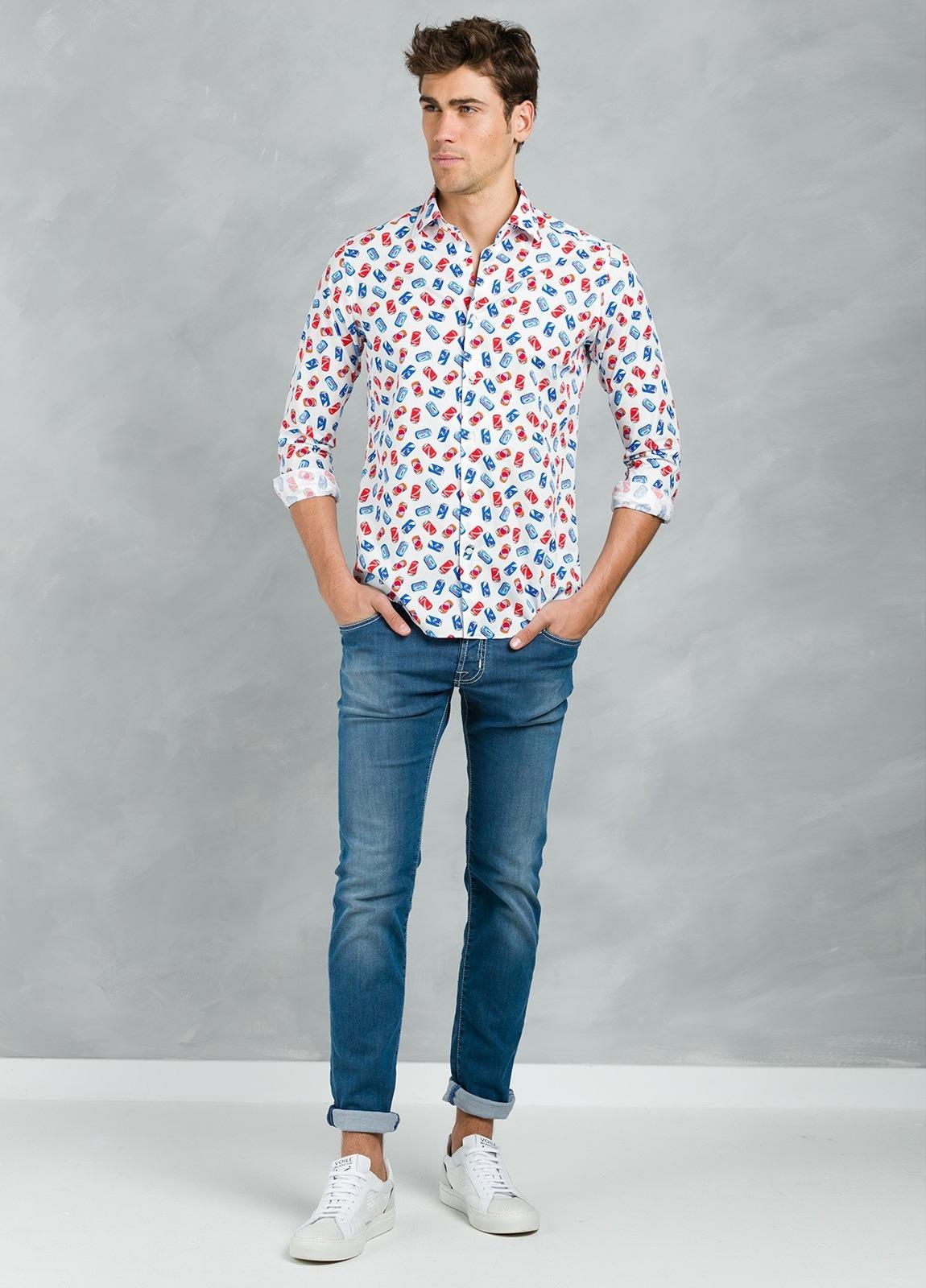 Camisa Leisure Wear SLIM FIT Modelo PORTO estampado fantasía,100% Algodón.
