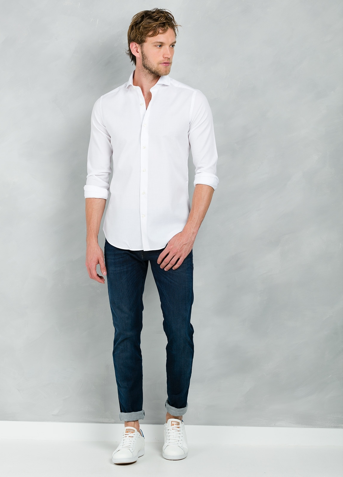 Camisa Casual Wear SLIM FIT Modelo CAPRI lisa color blanco, 100% Algodón.