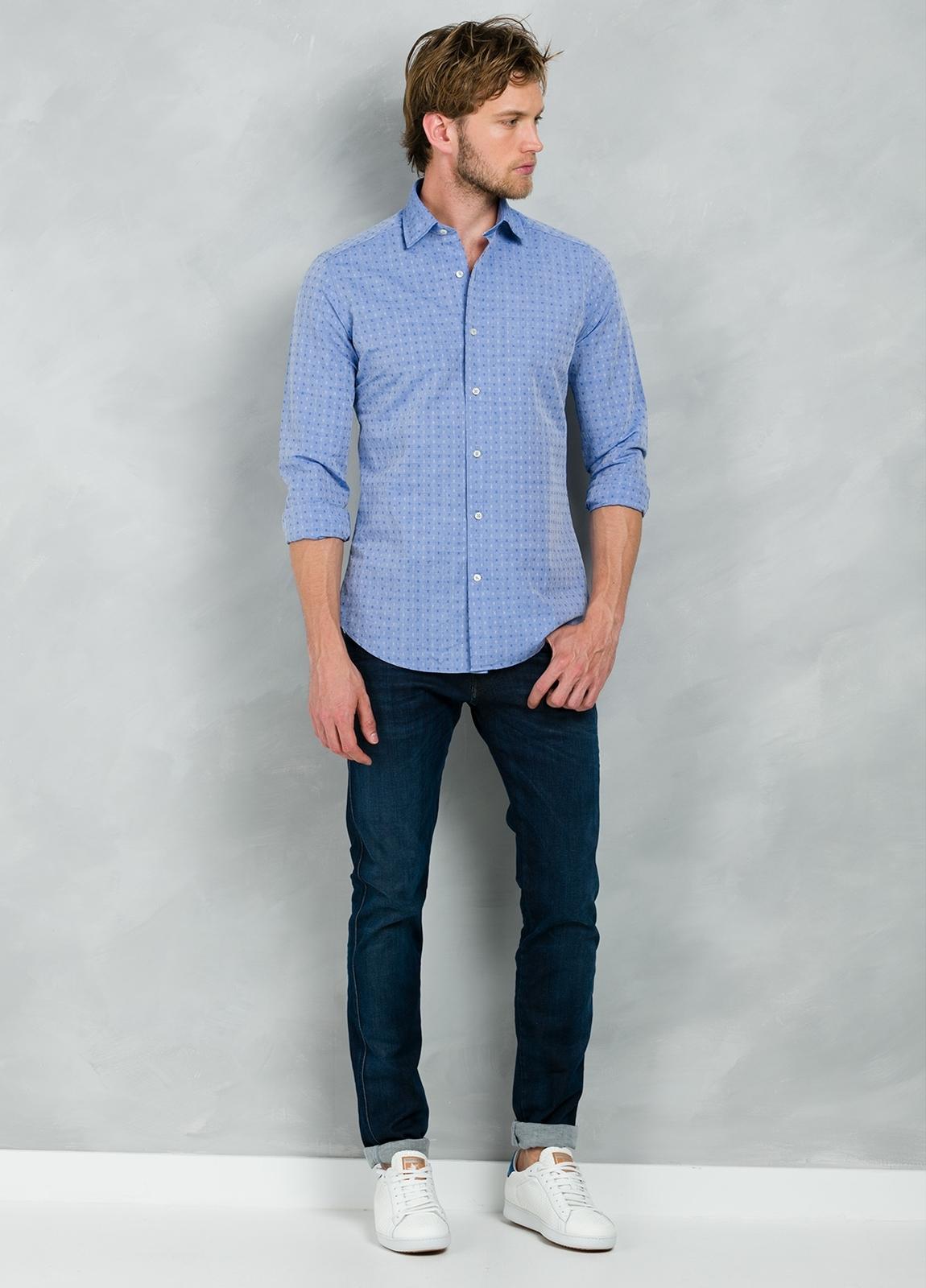 Camisa Casual Wear SLIM FIT Modelo PORTO micro dibujo color azul, 100% Algodón.