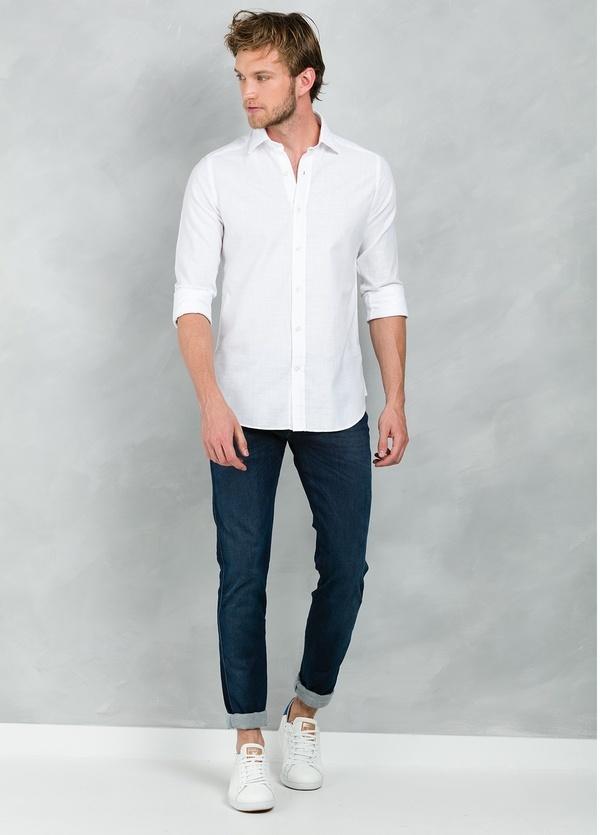 Camisa Casual Wear SLIM FIT Modelo PORTO lisa textura color blanco, 100% Algodón.